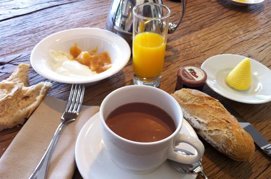 petit-dejeuner-glycines