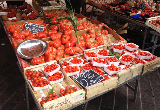 marche-nice-france-tomates