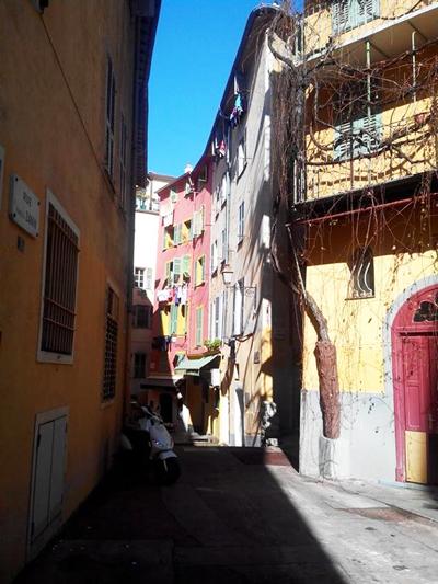 vespa-vieux-nice-rue