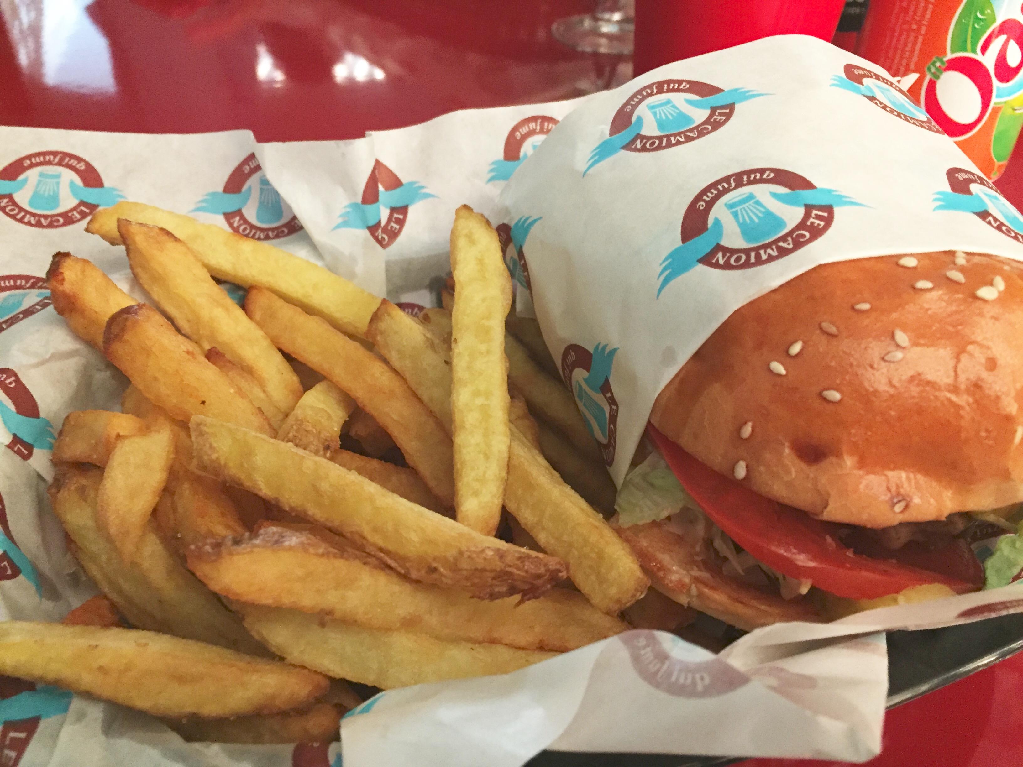 burger-camion-qui-fume