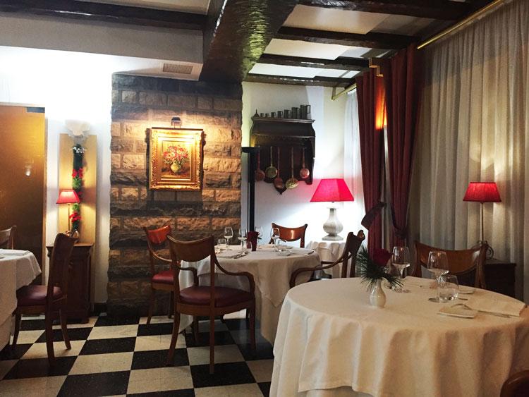 restaurant-balcon-combeaufontaine